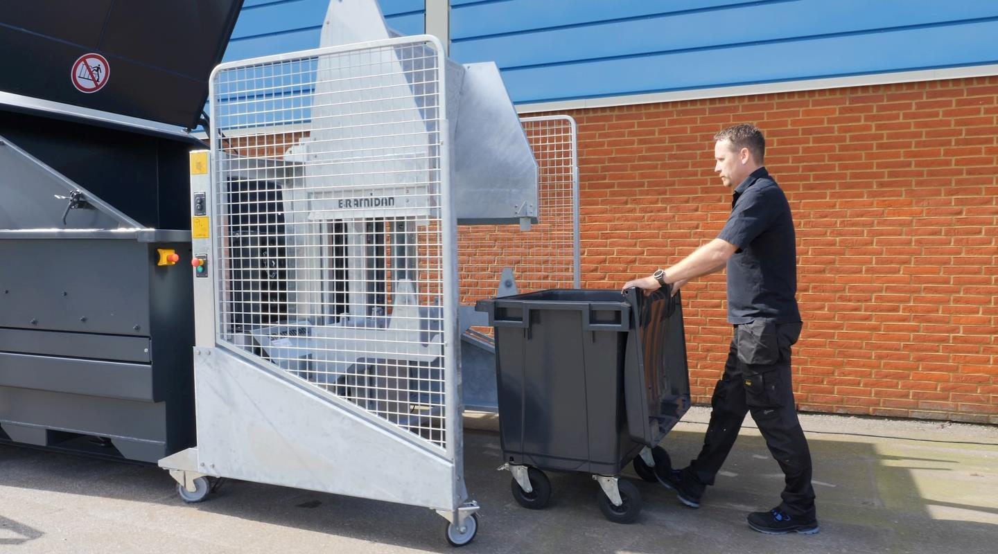 Waste container is placed in the galvanized tipping system from Bramidan